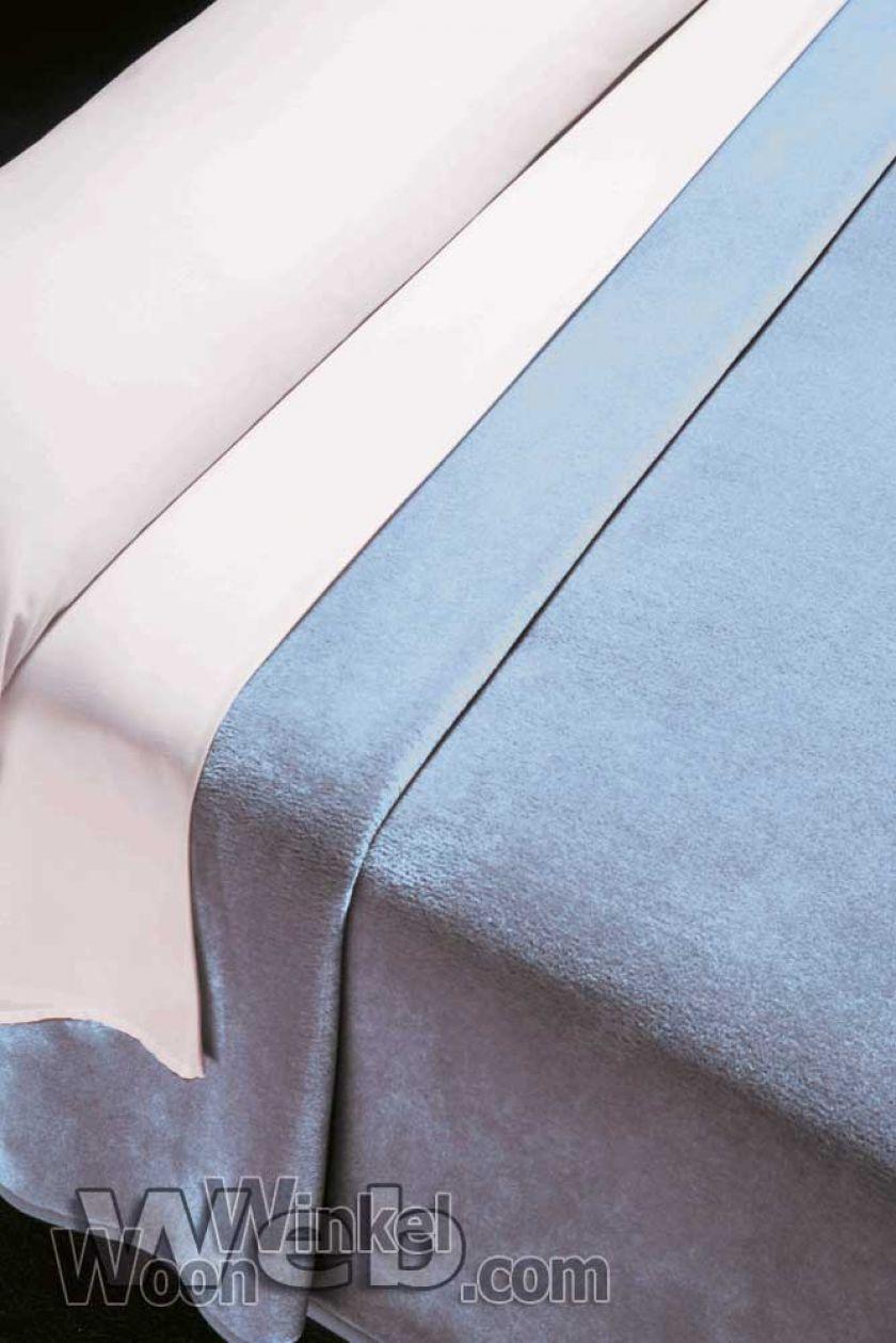 Acryl deken Millenium Super Soft - kleur 5 lichtblauw-ciel