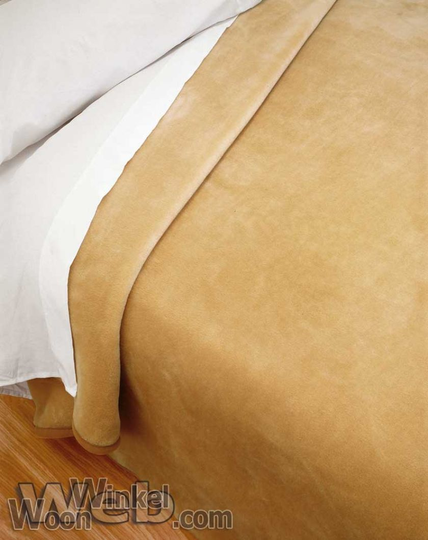 Acryl deken Millenium Super Soft - kleur 3 camel