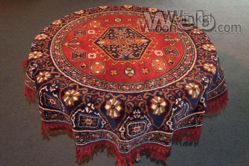 smyrna tafelkleed Bagdad kl. 8 150 rond - getoond op tafel met een doorsnede van 105 cm